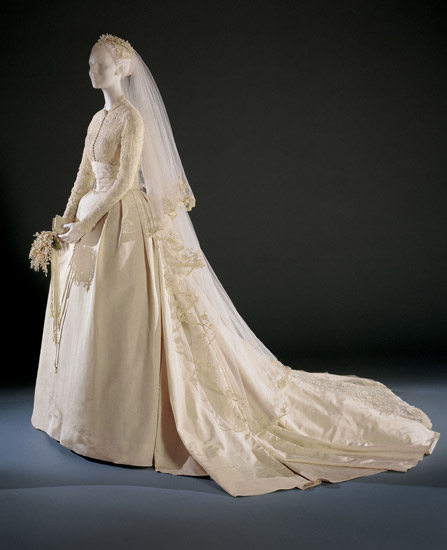 Grace Kelly's Wedding Dress and Accessories