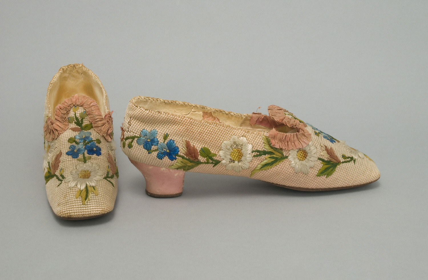 Woman's Embroidered Slippers