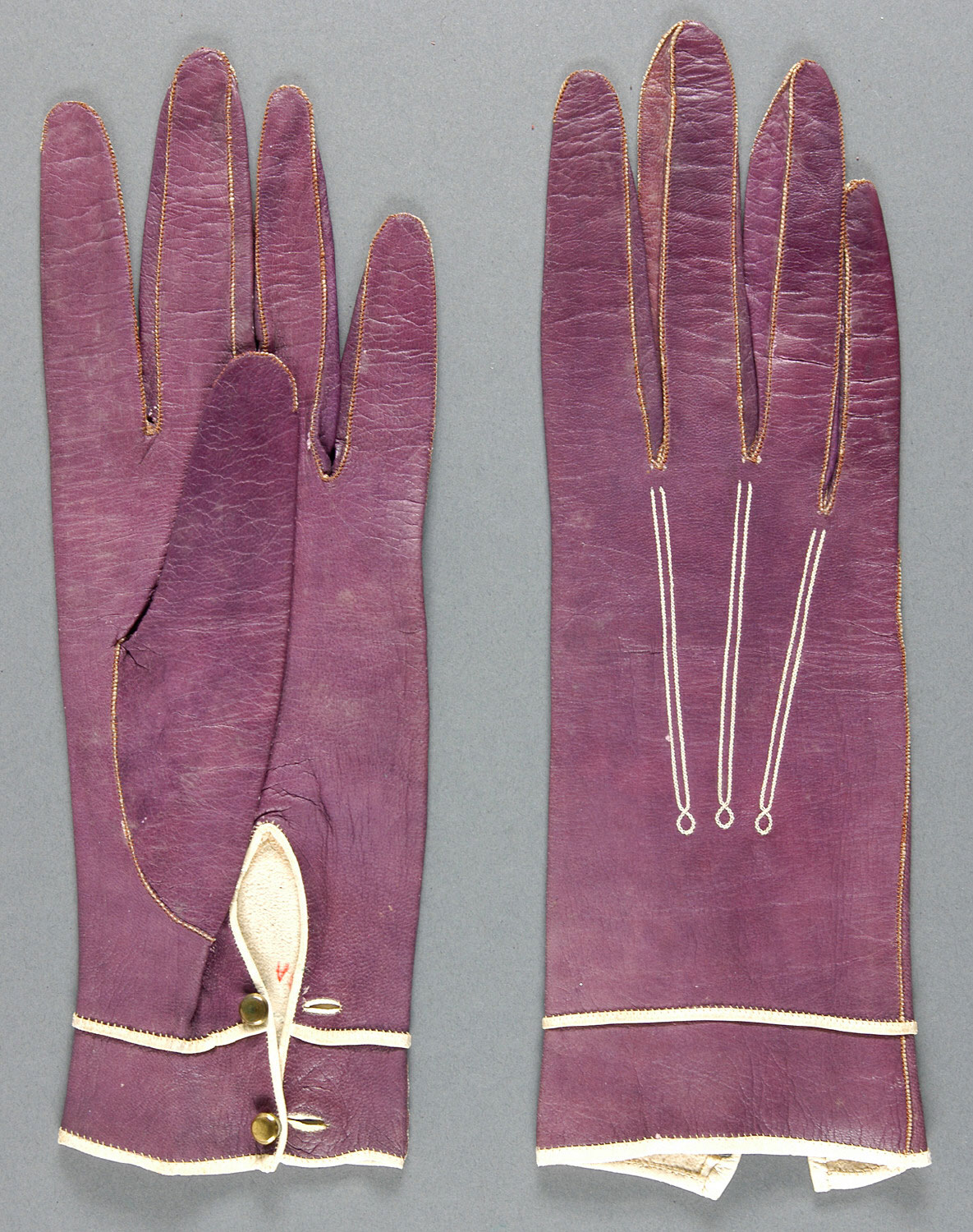 Woman's Gloves