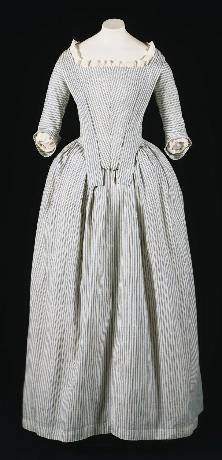 Woman's Round Gown (Robe à l'anglaise)