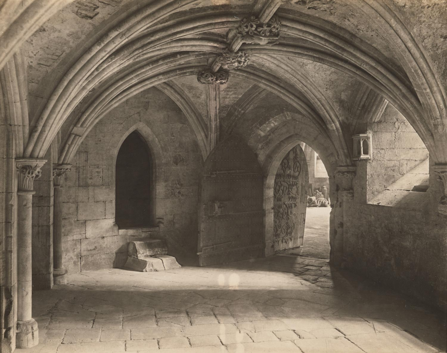Wells Cathedral: Crypt under Chapter House