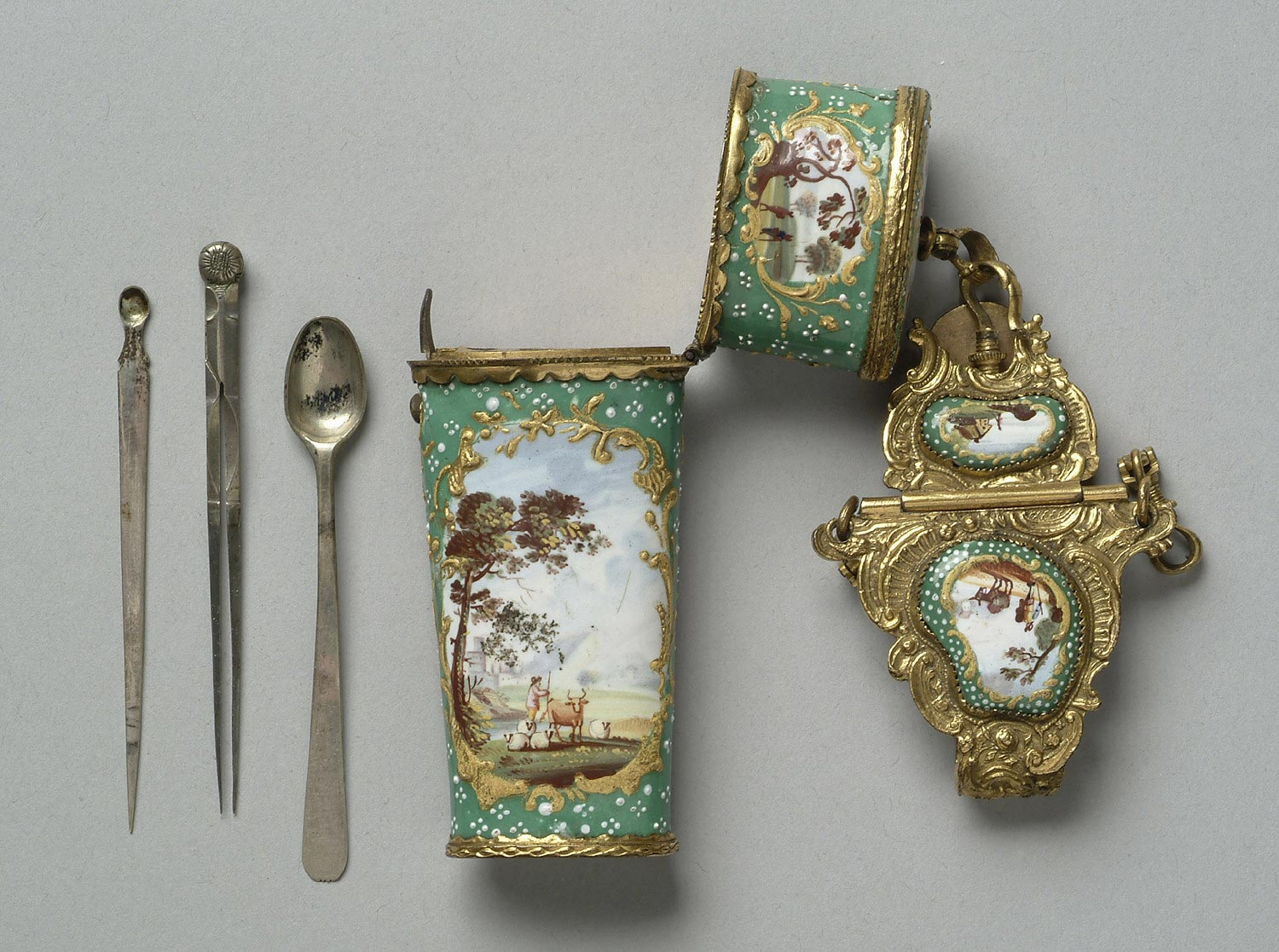Chatelaine with Etui