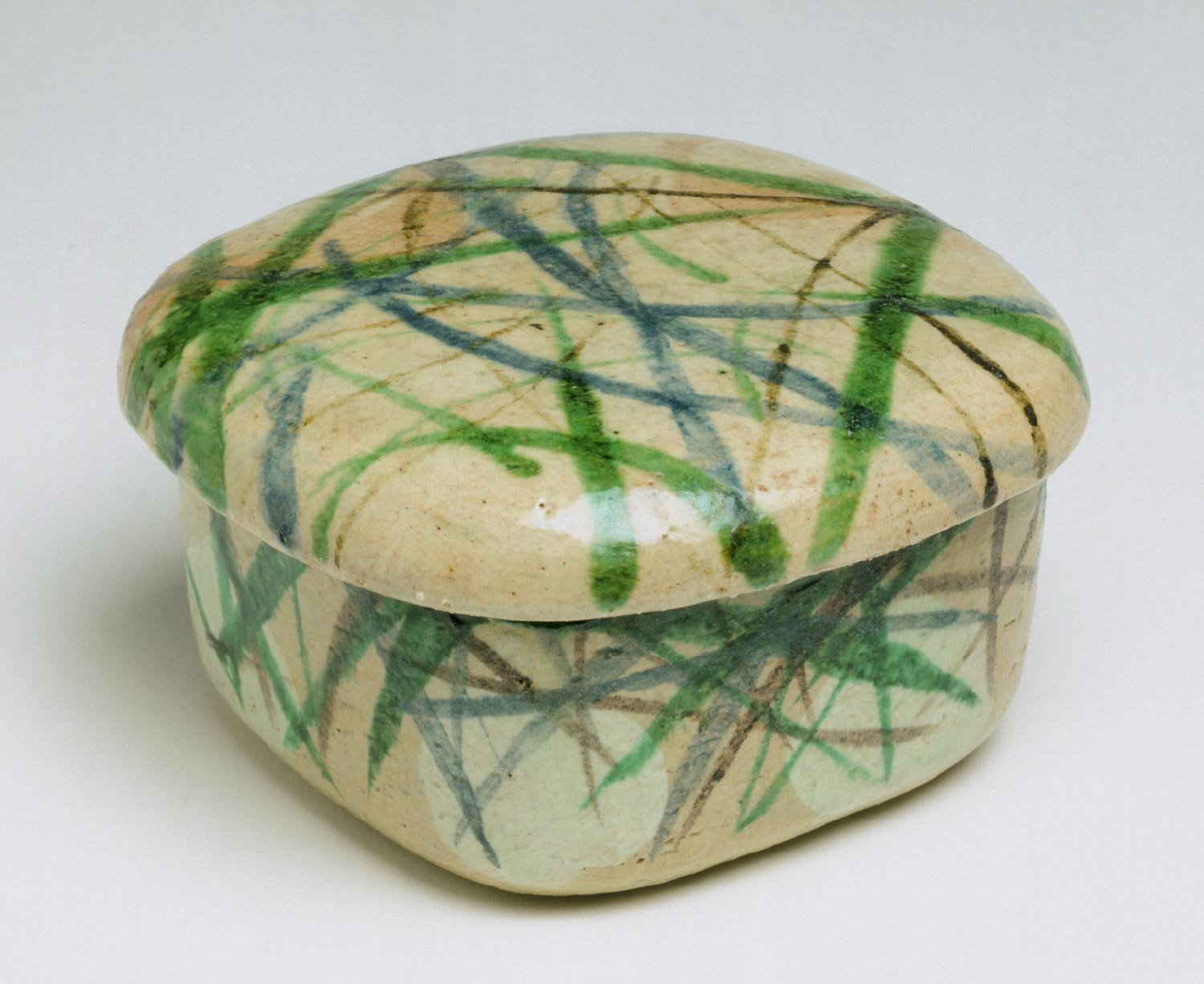 Dish and Lid with Design of Grasses