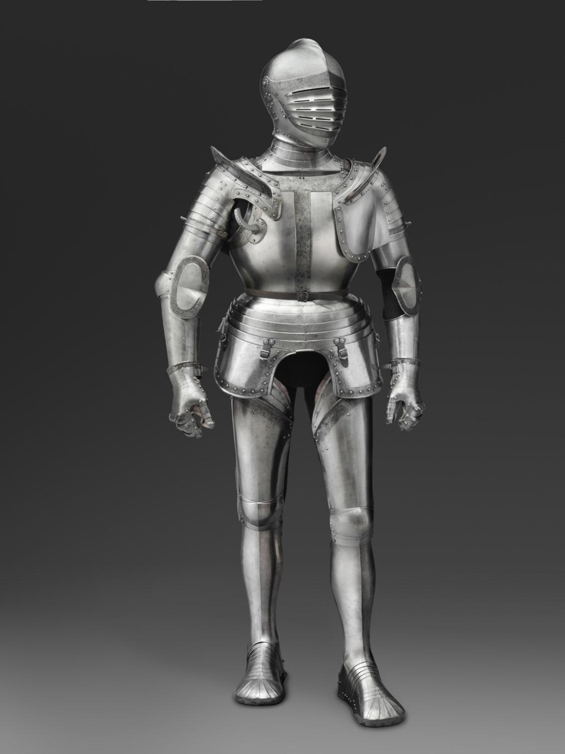 Armor for use on horseback in the field