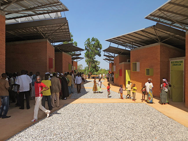 Surgical Clinic and Health Center, Léo, Burkina Faso, 2014